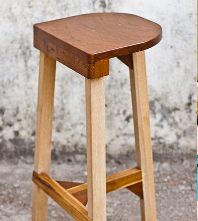 TO1 Bar Stool